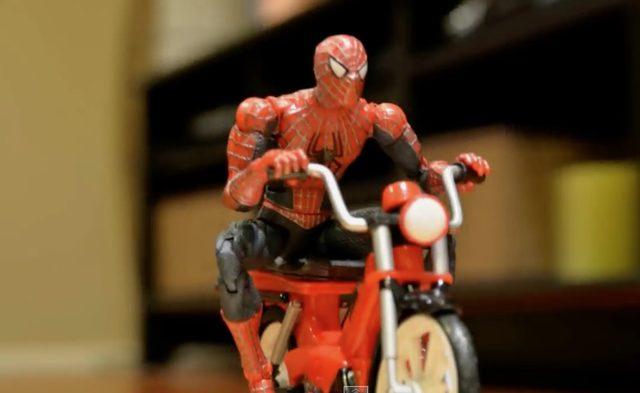 画像2: ヴェノムvsスパイディー!スパイダーマンファンによる、スパイダーマンの、オートバイ動画w