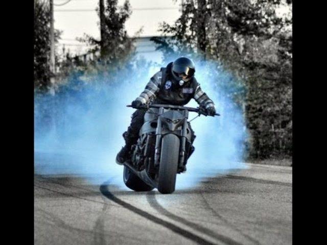 画像: スズキ隼改〜240馬力のカスタムバイクが公道を駆け抜け、ドリフトしまくる。