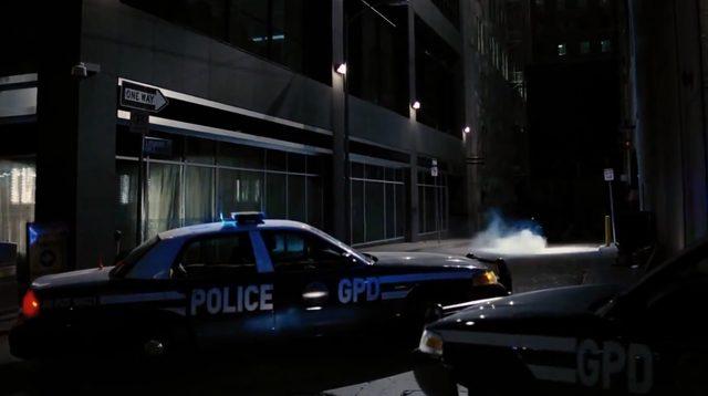 画像5: マルケスも真っ青な超絶コーナリングで、闇に消えてゆく夜の騎士
