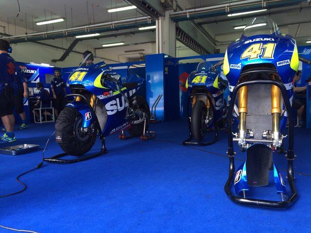 画像1: MotoGPマシンってやっぱ軽いんですね〜ってお話