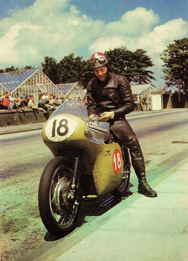 画像8: 伝説のV型8気筒グランプリバイク・・・MOTO GUZZI V8