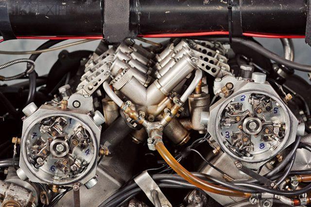 画像1: 伝説のV型8気筒グランプリバイク・・・MOTO GUZZI V8