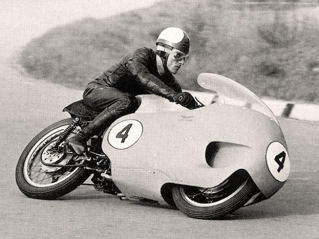 画像7: 伝説のV型8気筒グランプリバイク・・・MOTO GUZZI V8