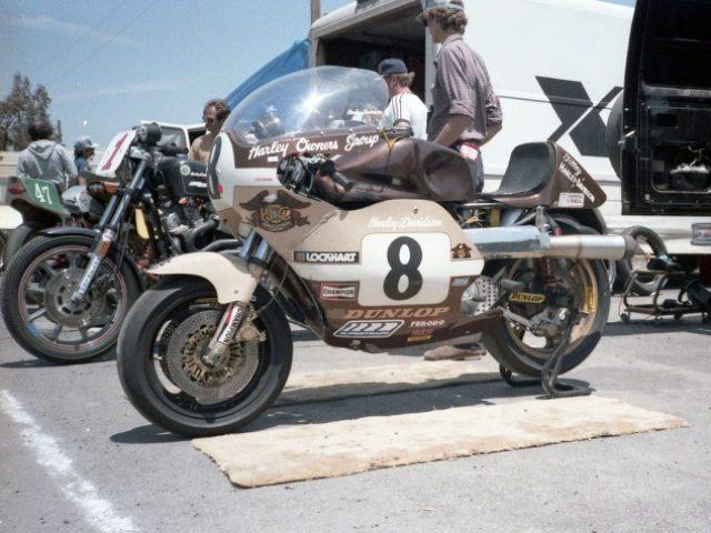 デイトナB.O.T.T.でドゥカティとの激戦を制するハーレー「ルシファーズ・ハンマー」 , LAWRENCE , Motorcycle x Cars  + α \u003d Your Life.