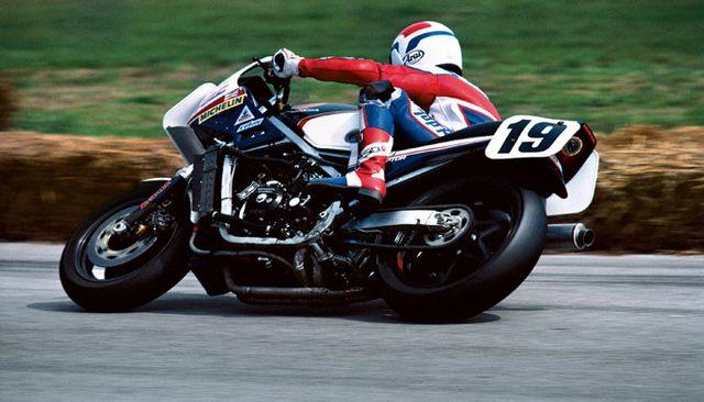 画像: スーパーバイク初年度のデイトナ200を制したフレディ・スペンサーとホンダVF750F www.vfr-japon.com.ar