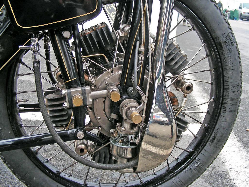 星型エンジン バイク