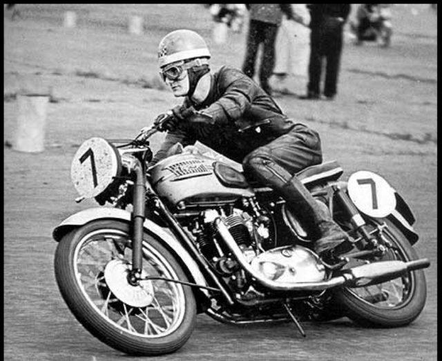 画像: 最初の500マイルとなった1958年を制したのは、マイク・ヘイルウッド(写真)とダン・ショーレイ組 vroum52.com