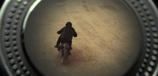画像: Technics by Panasonicの臨場感溢れるサウンドが男を荒野のツーリングへと誘う。