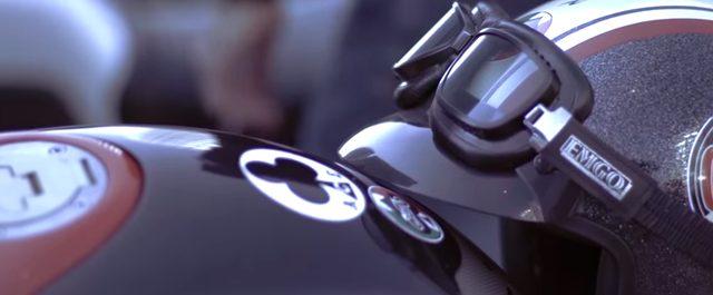 画像: メヒーコ!アミーゴ!いかつい男を乗せたカフェレーサーがメキシコを駆ける