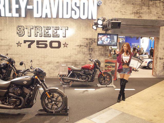 画像: STREET750と美女