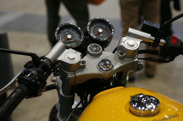 画像4: 現代に受け継がれるクラッシックバイクメーカー・ロイヤルエンフィールドが放つカフェ「CONTINENTAL GT 535」