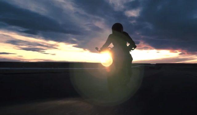 画像: Buell 1125ベースのカスタムカフェレーサーはリアルバットモービル。 - LAWRENCE(ロレンス) - Motorcycle x Cars + α = Your Life.