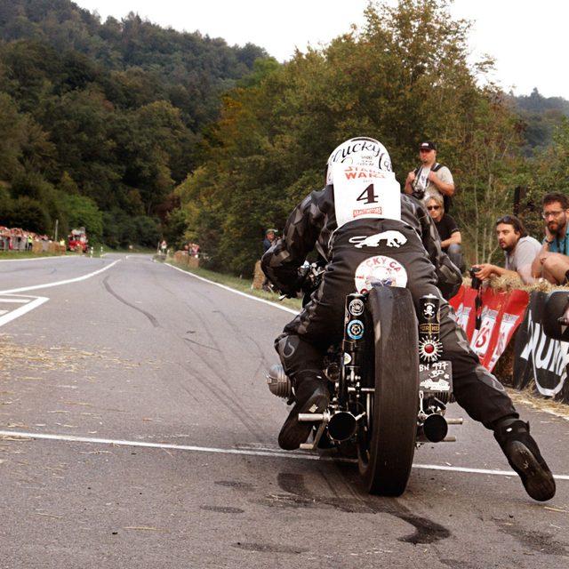 画像5: フランスのカスタムビルダーによる超レトロなドラッグレーサー「Sprintbeemer」