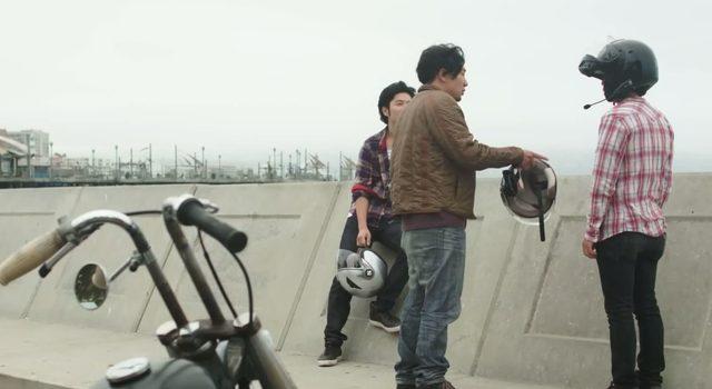 画像: 秘策、ヘルメット男子w