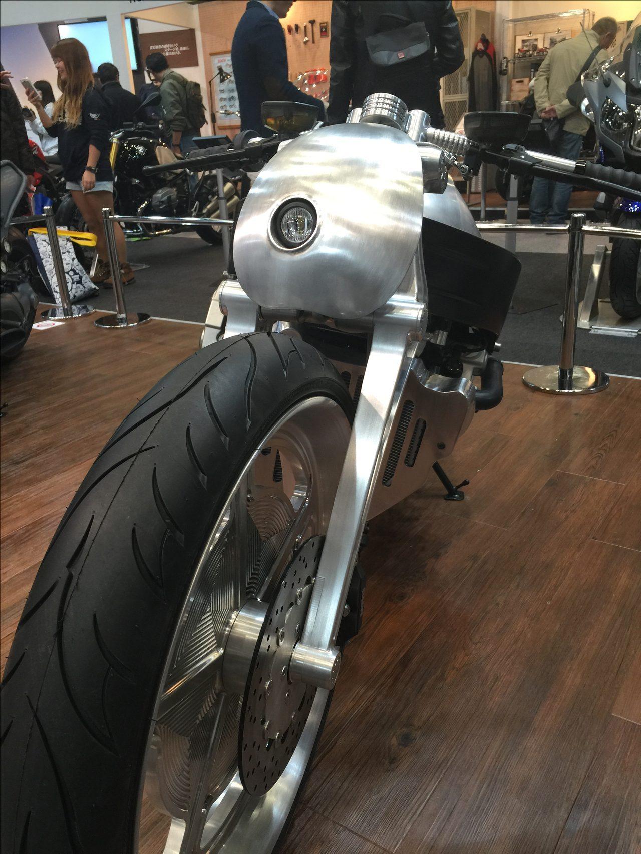 画像: 東京モーターサイクルショーで大注目だったBMW「K 1600 GTL」のカスタムバイクがついに一般公開されます! - LAWRENCE(ロレンス) - Motorcycle x Cars + α = Your Life.