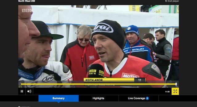 画像: レースの合間は、パドックインタビューなどを放送してます。 www.bbc.com