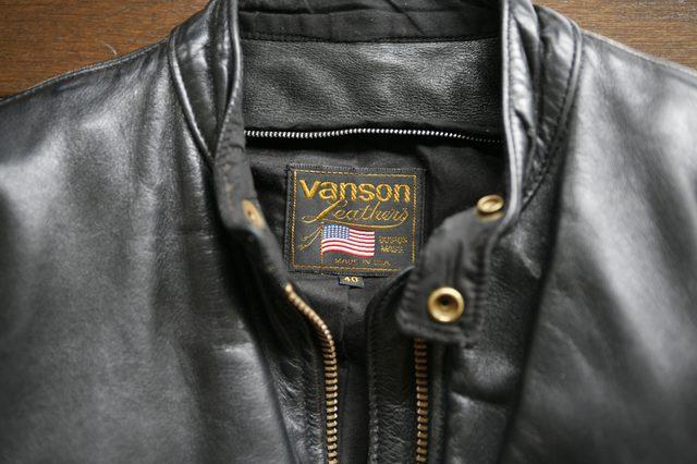 画像: 【普遍的なバイクファッション】革の光沢が美しいシングルライダース「VANSON」