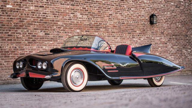 画像: 『初代バットモービル』 www.bbc.com