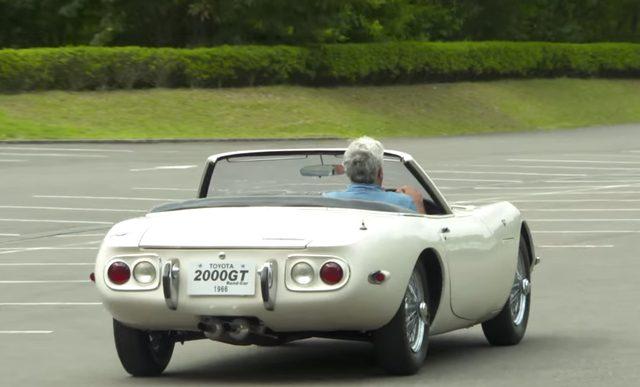 画像: 保安パーツもないので、横転したら最後w なので、ゆっくり走るのが吉! www.youtube.com
