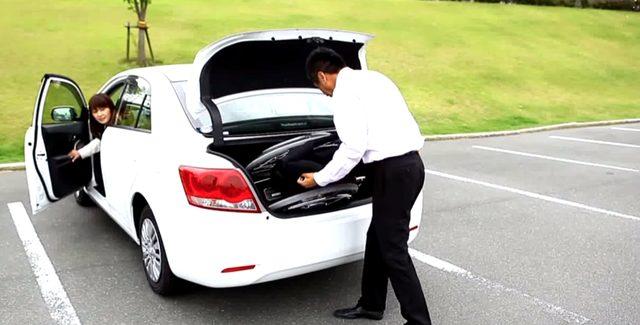 画像: 車にも簡単に詰める軽量で、コンパクトなフォーダブル。 www.youtube.com