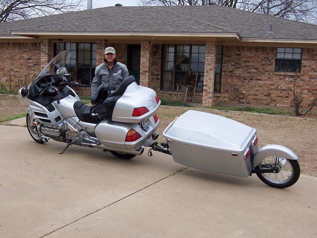 画像: トレーラーもモーターサイクルと一緒にリーンする1輪タイプ。 bigdon55.smugmug.co