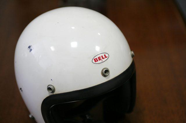 画像: 1967年頃のオリジナルのBELl 500-TX。初期の500-TXは額のロゴが銀ベースで「銀BELL」と呼ばれる。