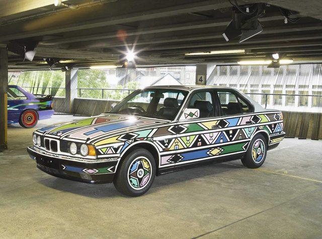 画像: Esther Mahlangu BMW 525i, 1991 www.artcar.bmwgroup.com
