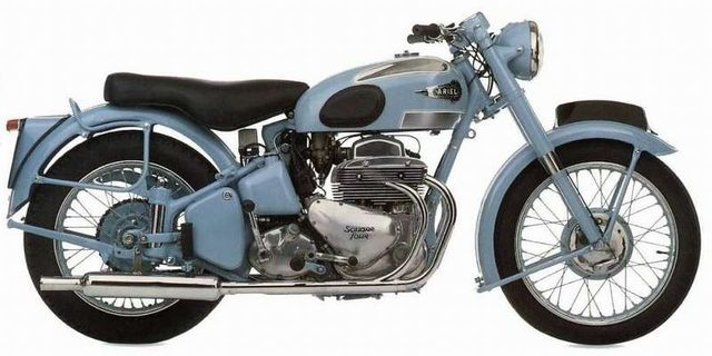 画像: アリエル・スクエア4。こちらは4本エキゾーストの初期型1000ccですね。当初の戦前型はOHCの600ccでしたが、こちらはOHVのバルブトレインを採用しています。ちなみにスクエア4の生みの親は、トライアンフツインを生み出した名設計者、E.ターナーです。 www.motorcyclespecs.co.za