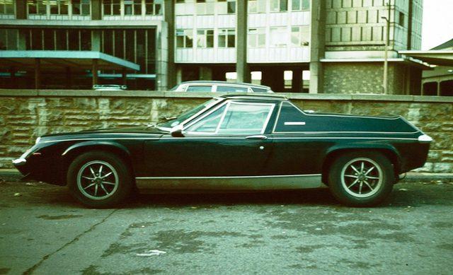 画像: 1メートル程度しかない車高。この低さが特徴でした ja.wikipedia.org