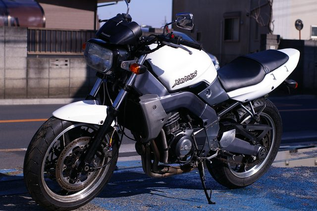 """画像: トーマスの【カネがあったら買うかもしれない】悲劇の""""元祖ストリートファイター """" Kawasaki XANTHUS(ザンザス) - LAWRENCE(ロレンス) - Motorcycle x Cars + α = Your Life."""
