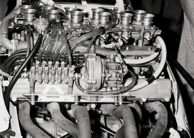 画像: 横置きV12気筒というユニークなレイアウトを持つRA270。排気量は1495 ccで、Vバンク角度は60度でした。 www.2000gt.net