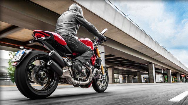 画像: Ducati Monster  1200 www.ducati.co.jp