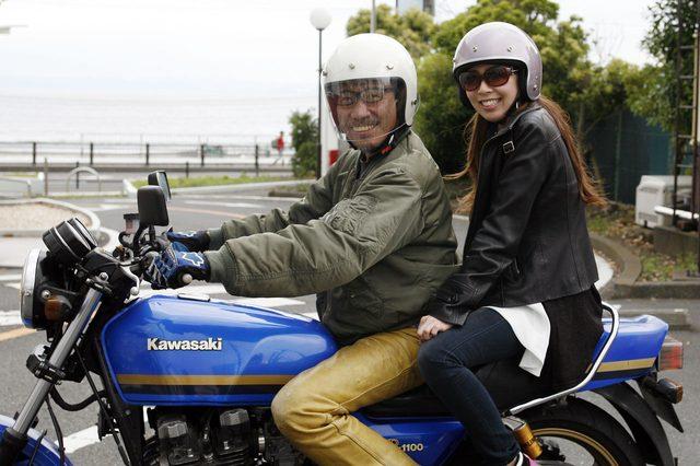画像: シンプルなネイキッドバイクにはクラシック・ジェットヘルメットがよく似合う