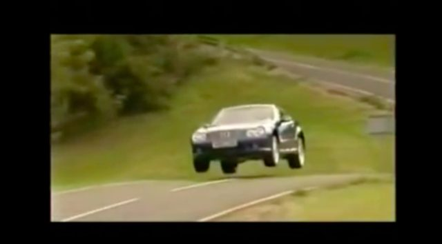 画像: やっぱり元F1ドライバーなので、すごい走りです。