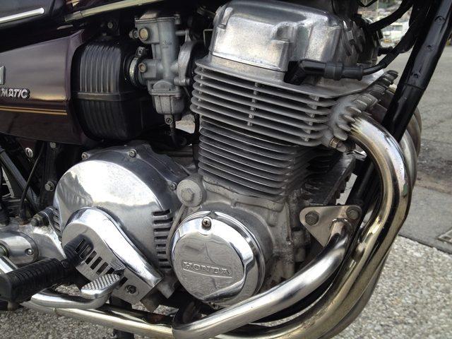 画像: トルクコンバーターとのマッチングを鑑みて、エンジンはデチューンされた仕様になっています。しかしそのことに物足りなさを覚えることはありませんでした。エアラのジェントルな造りに合った、エンジンキャラクターといえるでしょう。