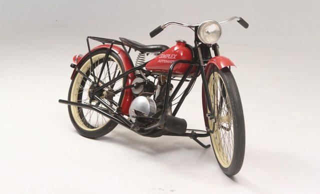 画像: アメリカのシンプレックスのオートマ車。シュータイプの遠心クラッチに、Vベルトの組み合わせの駆動系を採用していました。 www.exoticclassics.com