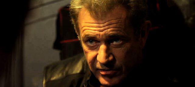 画像: エクスペンダブルズの創設者でありながら敵に回った男を演じる メル・ギブソン。 www.youtube.com