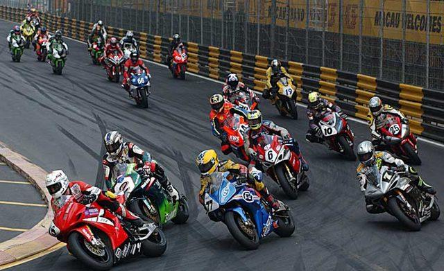 画像: こちらは2009年の大会の1シーン。ウォールに囲まれたコースがマカオGPの特徴です。 www.toptenz.net