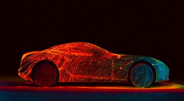 画像: 超高級車フェラーリに蛍光塗料を吹きかける贅沢で大胆な美しいアート! - LAWRENCE(ロレンス) - Motorcycle x Cars + α = Your Life.