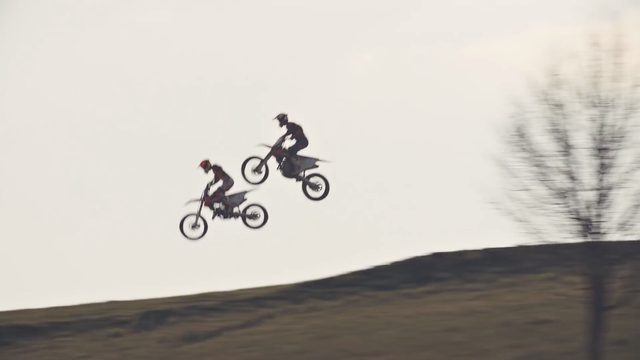 画像3: カッコよく跳べなくてもいい!でもモトクロスがしたいんだ「2016 KTM SX video」