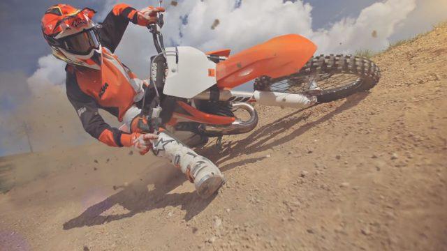 画像1: カッコよく跳べなくてもいい!でもモトクロスがしたいんだ「2016 KTM SX video」