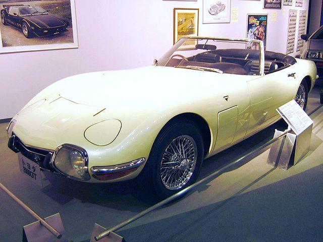 画像: 2000GTボンドカー(トヨタ博物館にて) ja.wikipedia.org