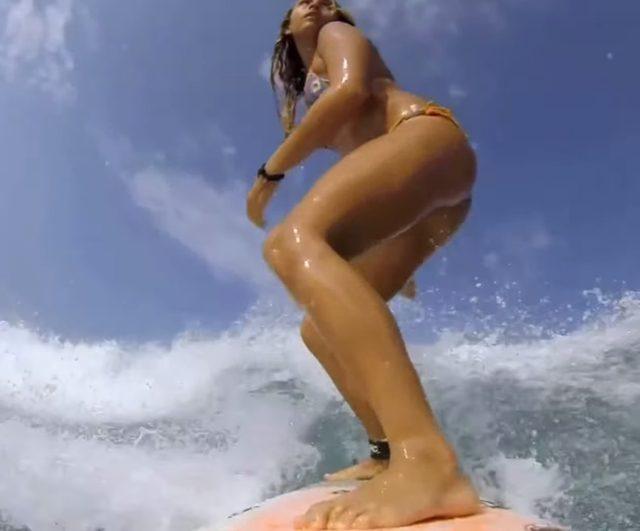 画像: 長い脚も最高! www.youtube.com