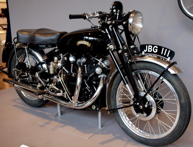 画像: Vincent Series C Black Shadow upload.wikimedia.org