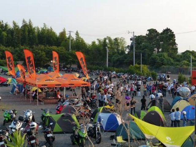 画像: 【KTM】正規販売店で限定発売『逆バンクで8耐CAMP』特別価格チケット