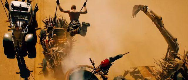画像: 【1/100の映画評・番外編】狂気と信念の激走ムービー『マッドマックス 怒りのデス・ロード』 - LAWRENCE - Motorcycle x Cars + α = Your Life.