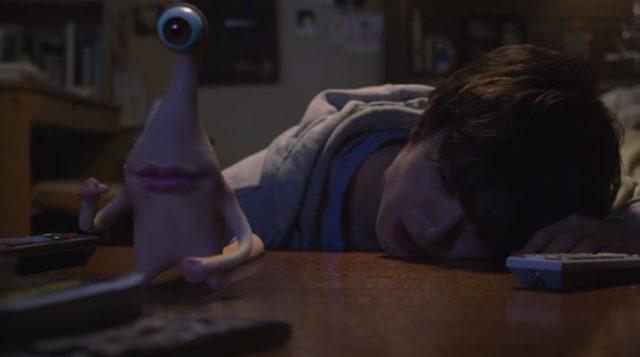 """画像: 新一は""""彼""""をミギーと名付け、奇妙な共同生活が始まった。 kiseiju.com"""