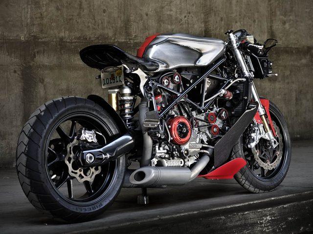 画像: Ducati 749 www.apogeemotorworks.com