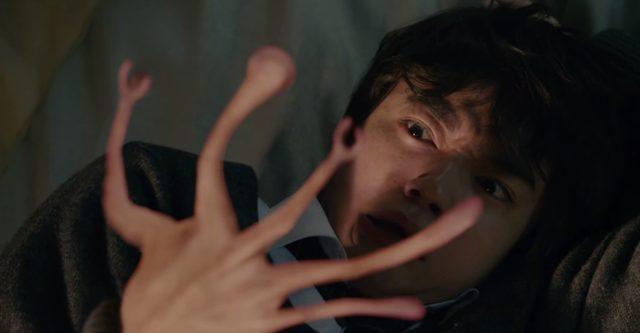 画像: しかし、主人公泉新一の場合は、取り憑かれたのは右手だった kiseiju.com
