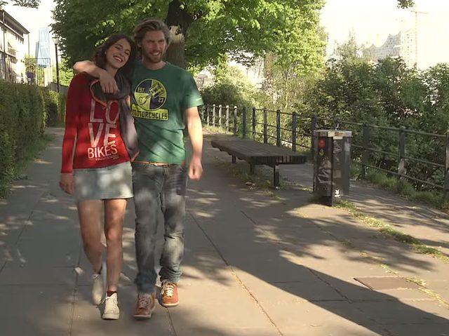 画像: LOVE BIKESのTシャツが可愛い。 www.youtube.com